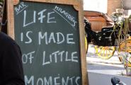 Шикарная надпись в кафе, где я завтракала. Севилья.