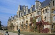 Главный корпус Оксфорда. В его столовой снимался Гарри Поттер.